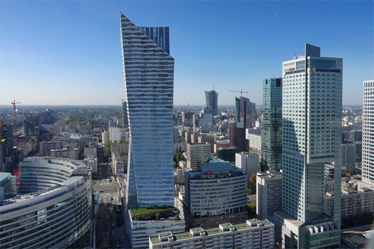 Warschaus Manhattan mit Europas größtem Wohnturm (Mitte)