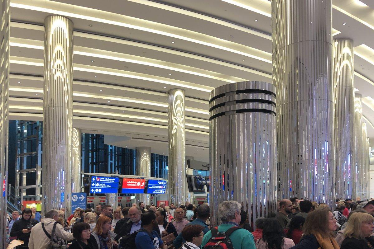 Die Gewaltige Ankunftshalle im Dubai Airport