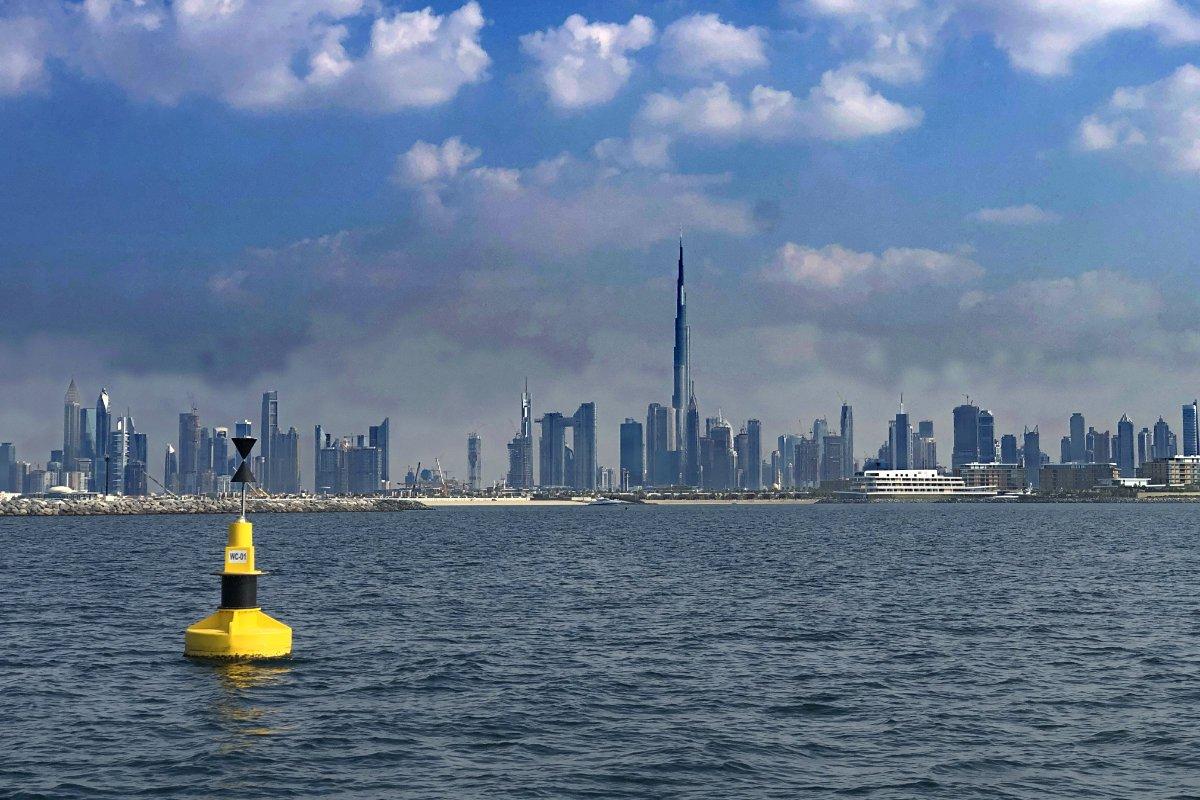 Downtown Dubai mit dem Burj Khalifa