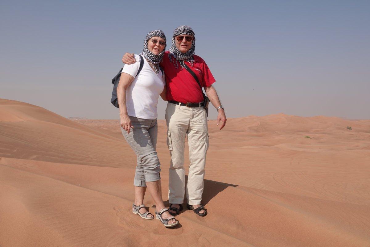 Schutz gegen die sengende Sonne: arabische Kopftücher
