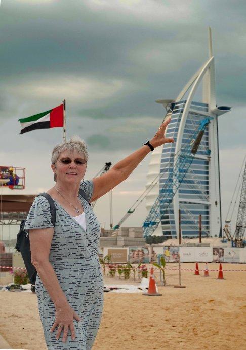 Anne stützt den Burj al Arab