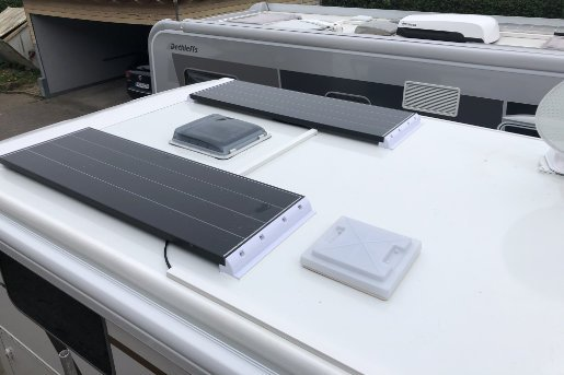 Zwei 160 W Solarmodule
