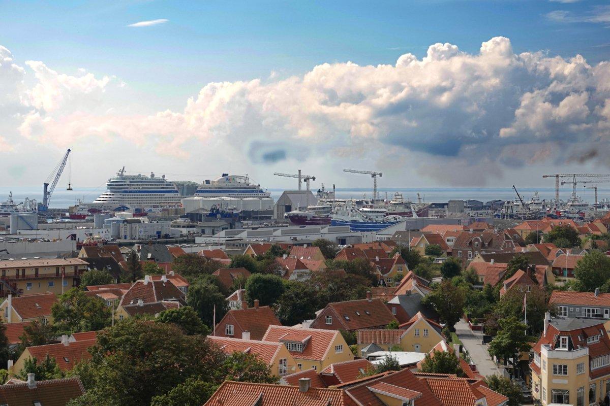 AIDA blu im Hafen von Skagen