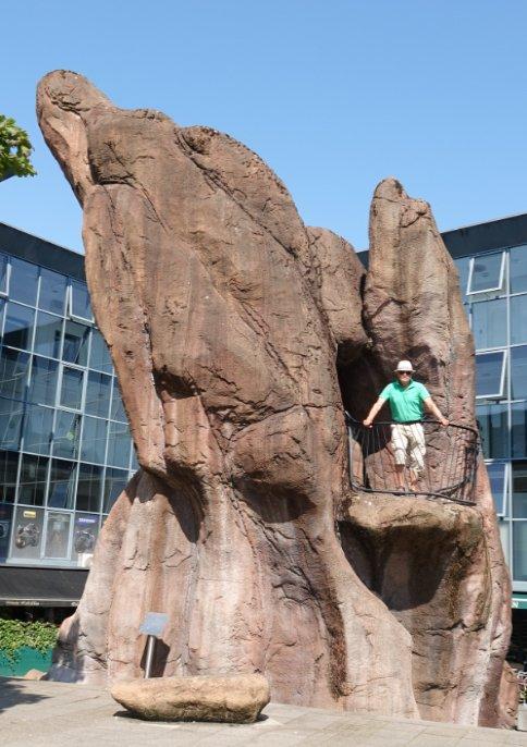 Frederick auf Felsen-Skulptur
