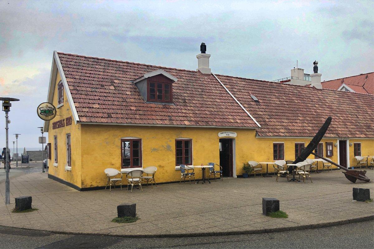 Hirtshals Kro (Pub) im Zentrum