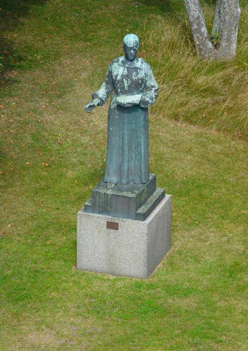 Statue von Anna Ancher im Garten ihres Hauses