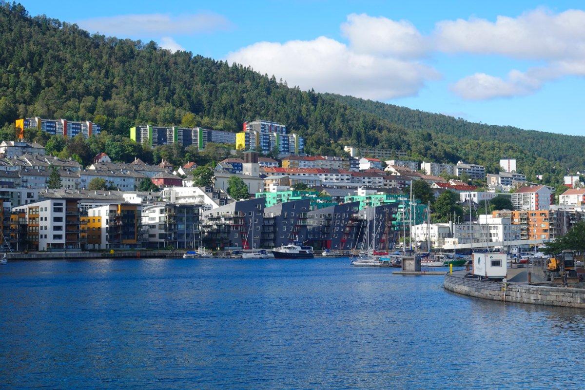 Moderne Wohnungen am Fjord