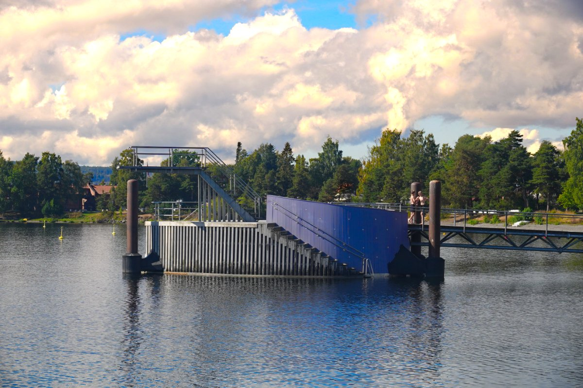 Sprunganlage im Hafen von Hamar