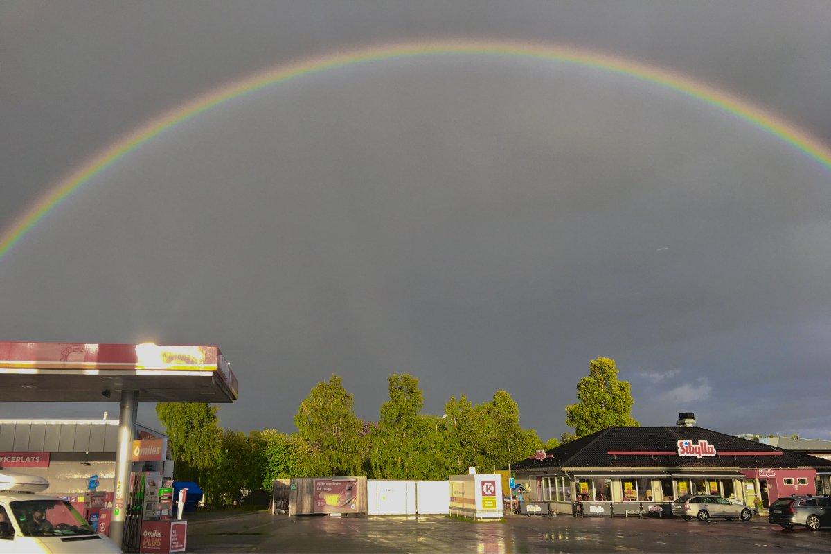 Regenbogen auf dem Weg nach Östersund