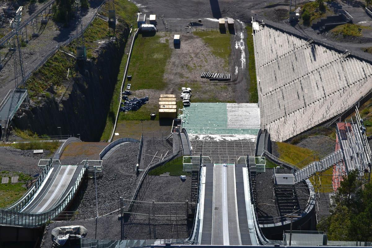 Blick von der Großschanze ins Stadion