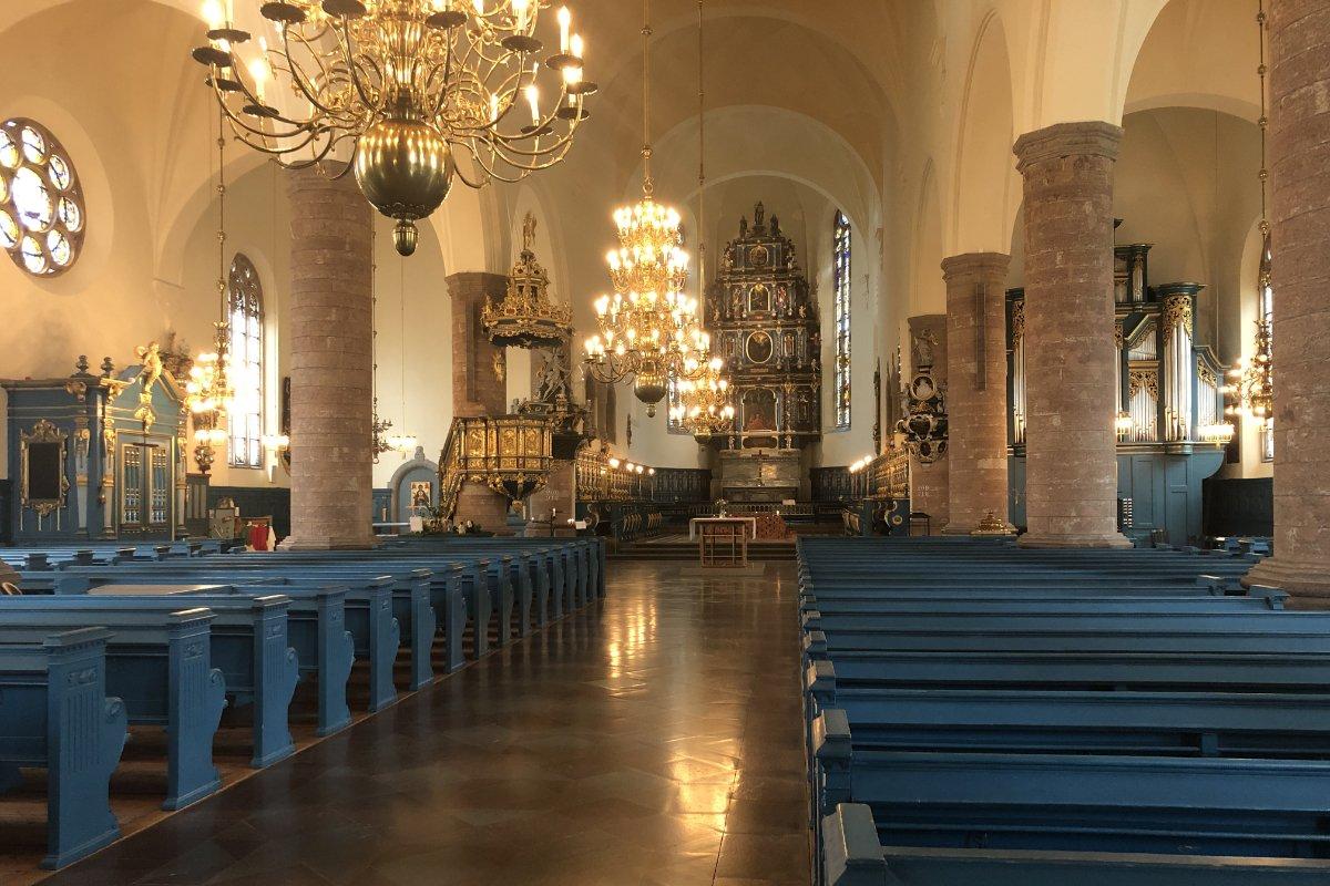 Der schöne Innenraum der Falun Kirche