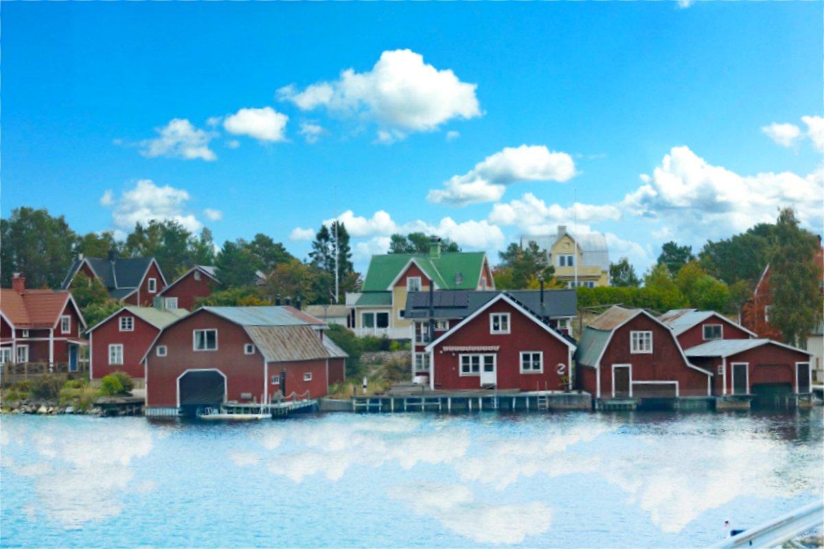 Ferienhäuser und Bootsschuppen in Stocka