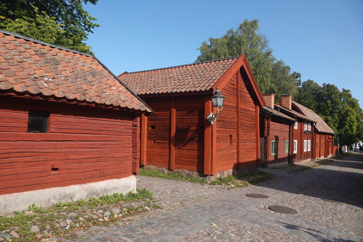 Historische Holzgebäude im Museum