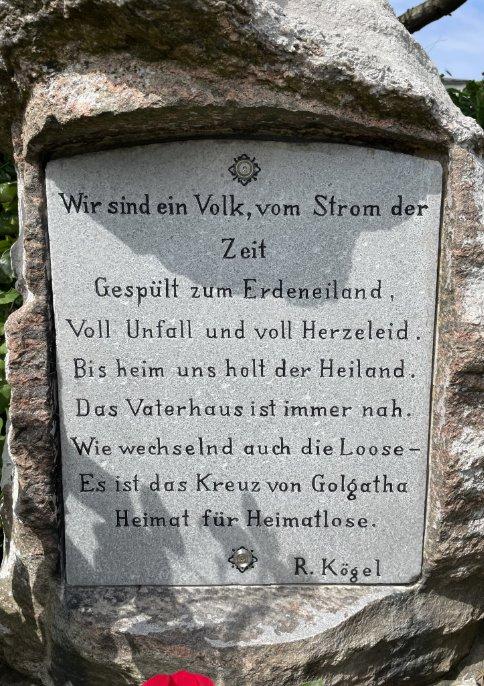 Gedenktafel auf dem Friedhof