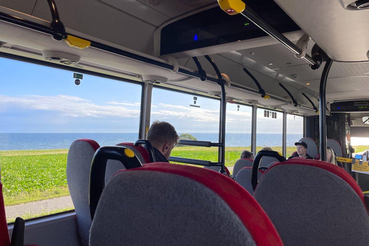 Busfahrt entlang der Küste