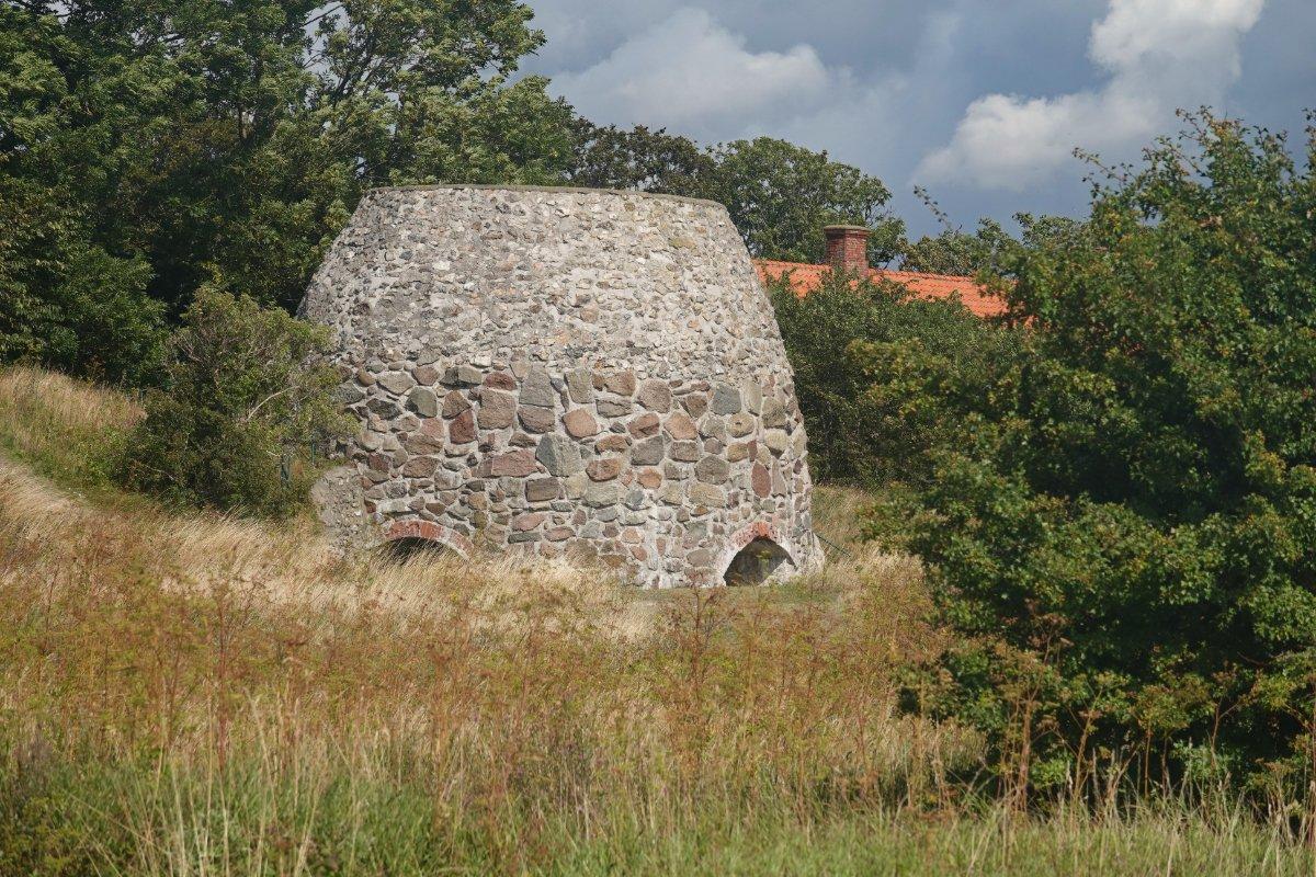 Restaurierter Kalkofen aus alten Zeiten